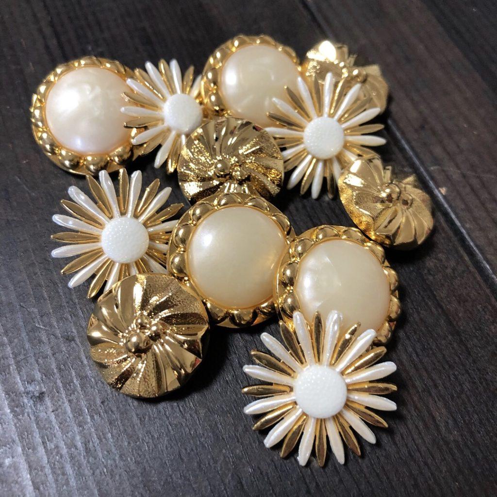 タイのゴールドボタン。アンティーク ヴィンテージ パール